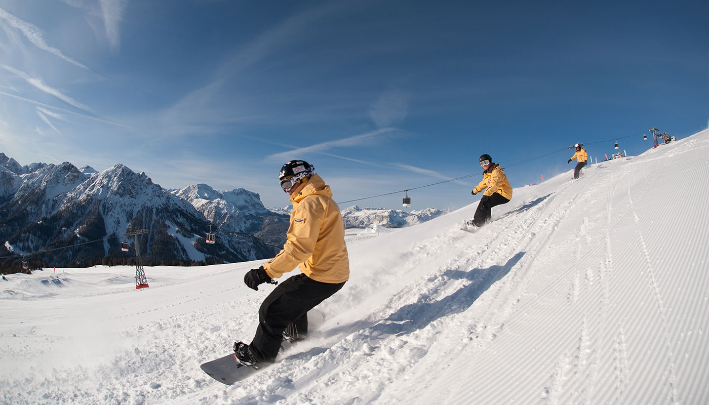 Photo of a snowboarder at the Plan de Corones in winter