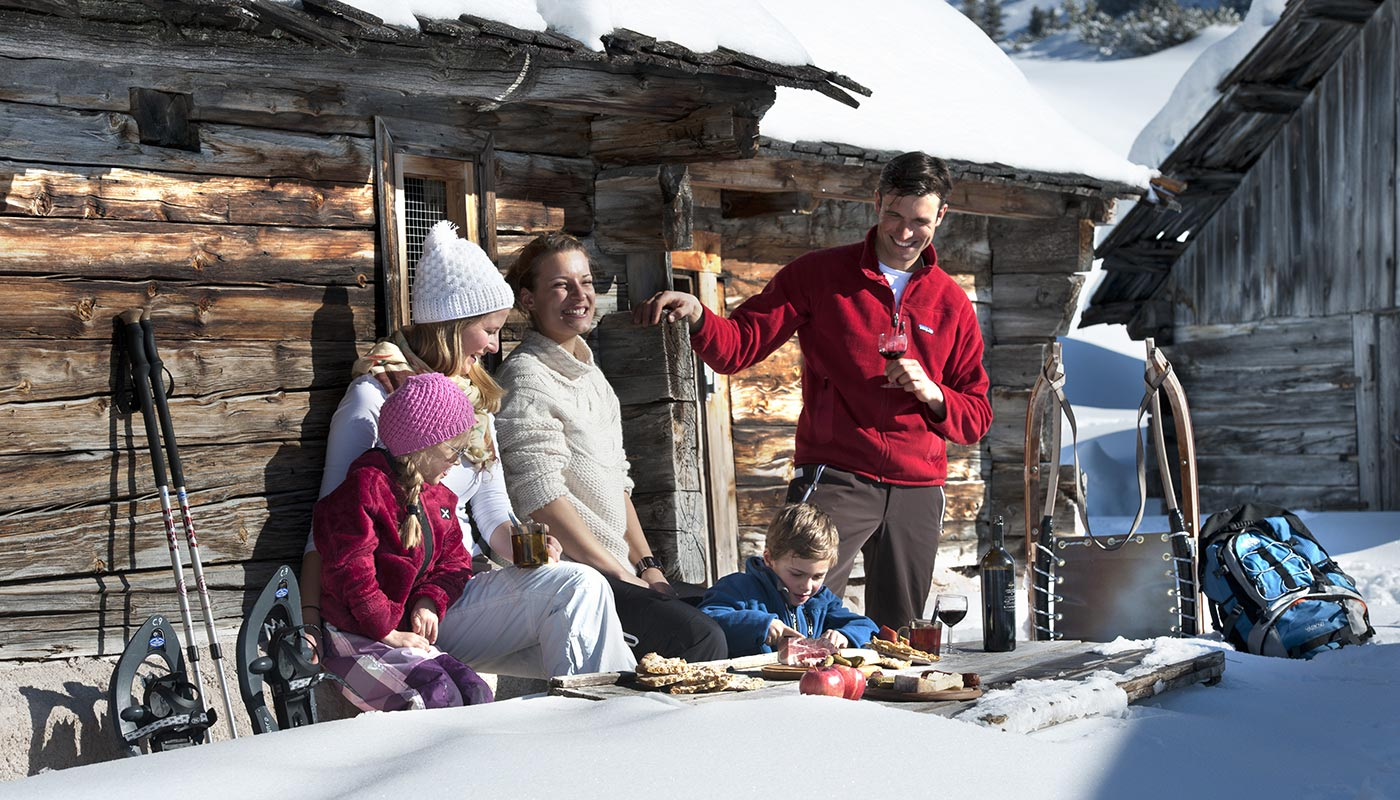01 winter ski family happy