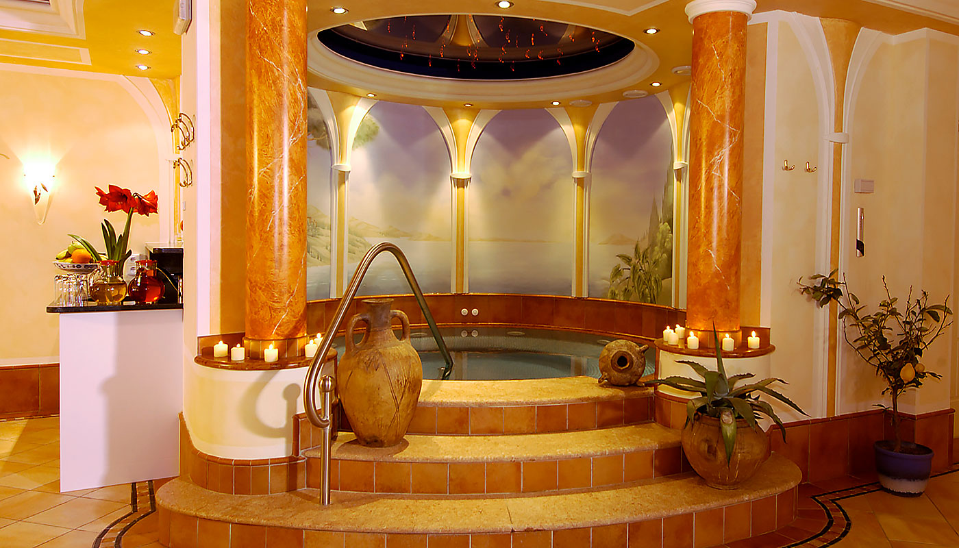 Photo of the whirlpool in the wellness area of the Hotel Tannenhof